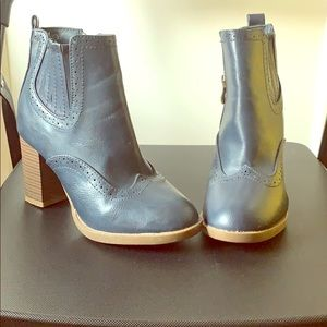 Vintage Navy Ankle Boots ( Man made material)